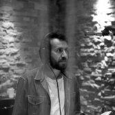 Tommaso Cappellato in studio, foto di Simone Settimo