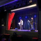 Dutch Nazari e Alessandro Burbank sul palco dell'Arci Bellezza