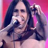 Manuel Agnelli seminudo infuoca la finale di X Factor