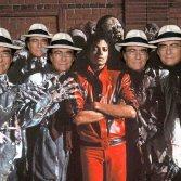 Michael Jackson attorniato da tanti Al Bano