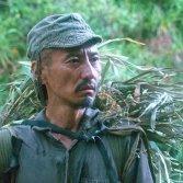"Tsuda Kanji nei panni di Hiroo Onoda nel film ""Onoda – 10 000 notti nella giungla"""