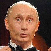 russia, Vladimir Putin vieta il playback in Russia: 100mila euro di multa per chi suona in playback senza dichiararlo