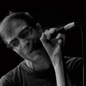 bologna, Il live report del concerto a Bologna: coriandoli e polaroid con Testaintasca, Cosmo e I Cani