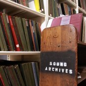 vinili, Alcuni vinili della Sound Archives Collection della Boston Public Library (foto via Internet Archive)