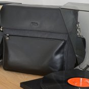 curiosità, Kuro Record Collector Bag