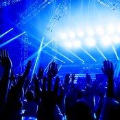 dati, concert-crowd.jpg