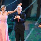 programma, Michelle Hunziker, Claudio Baglioni e Pierfrancesco Favino durante la terza serata di Sanremo 2018 (foto Ansa)
