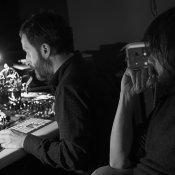 intervista, Celona e Cooper in studio