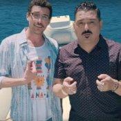 nuovo singolo, Un'immagine del video di Salvagente di Roy Paci & Aretuska feat. Willie Peyote