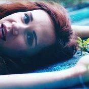 anteprima, Un'immagine del video di Attentato al cuore di Mimosa