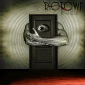 album N°41 int.A - Riotown