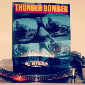 album Looking for trouble - Thunder Bomber