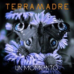album Un Momento - TERRAMADRE