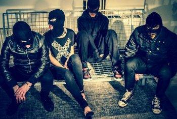"""I Sick Tamburo raccontano """"Senza vergogna"""", il nuovo album nell'intervista ad Alice Tiezzi"""