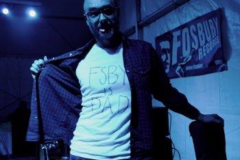 La Fosbury records chiude i battenti, ma lo fa con una grande festa in cui si esibiscono molte delle band che ne hanno segnato il percorso