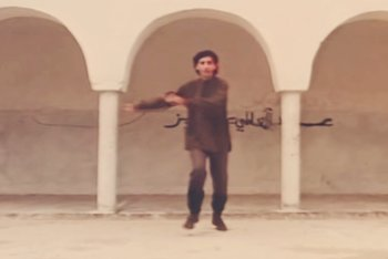 Franco Battiato nel video di 'Voglio Vederti Danzare'