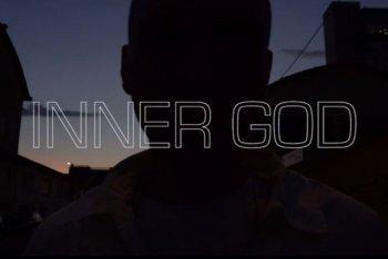 """Un'immagine del video di """"Inner God"""" di Yakamoto Kotzuga"""
