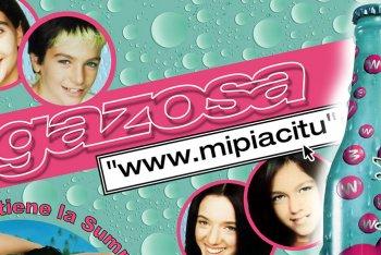 La copertina di Www.MiPiaciTu dei Gazosa, hit del 2001