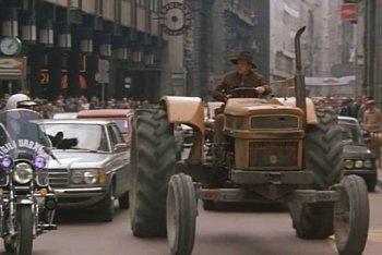 """Foto tratte dal film """"Il ragazzo di campagna"""" (1984, Castellano e Pipolo)"""