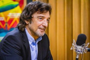 Claudio Cecchetto negli studi di Radio Deejay