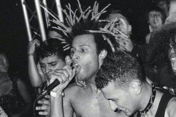 """Foto tratta da un'esibizione di """"ROMABRUCIA3018"""" dei FuckYourClique"""