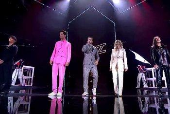 I giudici e Alessandro Cattelan durante la finale di X Factor 2020