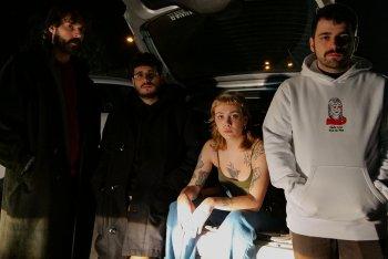 I Gomma nel retro di una macchina, foto di Gianluca Fatigati