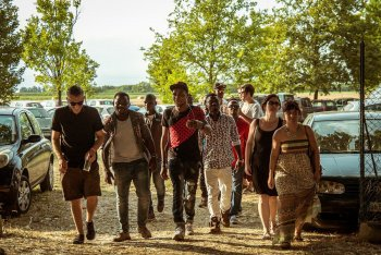 Johnny Mox (a sinistra) a Finale Emilia per il progetto Stregoni - foto di Marco Pak Pasqualotto