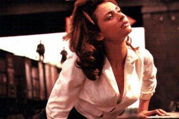 Una giovane Carrà in una scena del film 'Il colonnello Von Ryan'