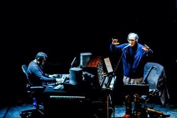 Pinaxa e Franco Battiato in un concerto di Joe Patti's Experimental Group