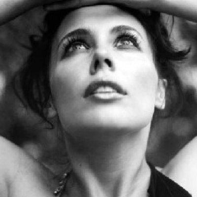 Lara Martelli Orchidea porpora Testo Lyrics