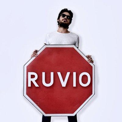 Alessandro Ruvio Specialmente se piove Ascolta e Testo Lyrics
