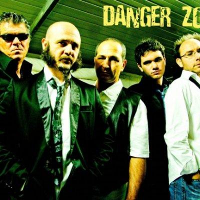 Danger Zone Band Le dimensioni contano Ascolta