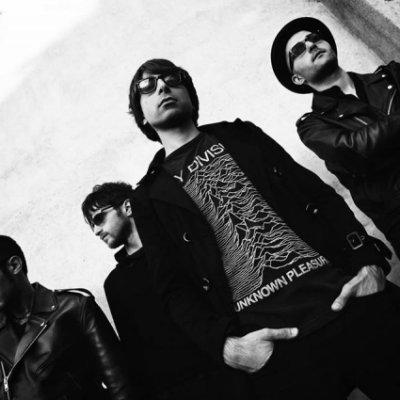 The Q's Can We Escape Tonight Ascolta e Testo Lyrics
