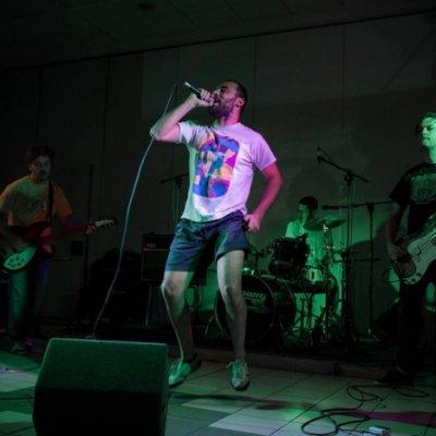 XMary Rock duro