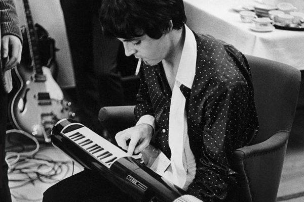 Il Tubon, lo strumento misterioso di Paul McCartney